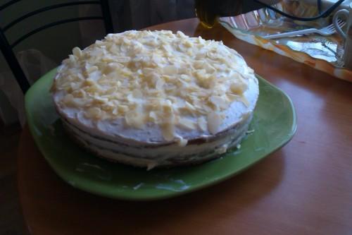 Готовим вкусный, сладкий пирог на ряженке в мультиварке к семейному чаепитию