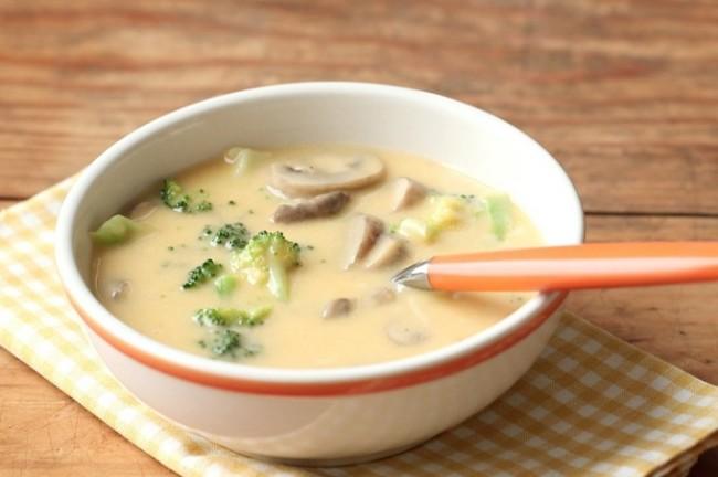 Рецепты вкусного, ароматного и всегда любимого сырного супа с грибами в мультиварке